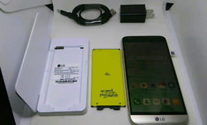 LG G5 32GB UNLOCKED with extra battery, charger, cable and plug