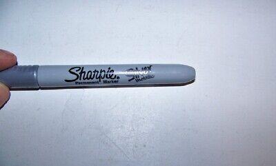 Sharpie Permanent Marker Fine Point Silver Metallic