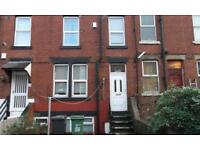 REALLY NICE 2 BED TERRACE HOUSE WITH GARDEN CLOSE TO SHOPS AND PUBLIC TRANSPORT