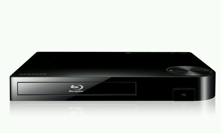 samsung blue ray dvd player in swansea gumtree. Black Bedroom Furniture Sets. Home Design Ideas