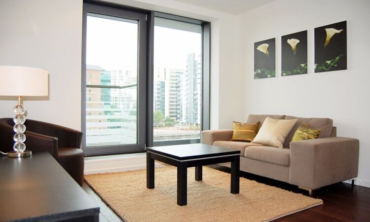 ***Stunning 2 Bedroom Apartment in Baltimore Wharf NOW***