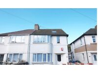 House with Double Bedrooms - PROFESSIONAL SHARERS or STUDENTS
