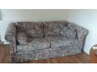 Free lovely sofa with two cushions