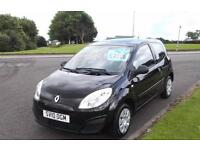 RENAULT TWINGO 1.2 FREEWAY 2010 LOW INSURANCE,VERY CLEAN F.S.H