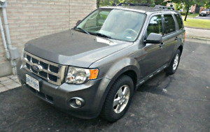 2012 Ford Escape XLT Leather w/ Warranty + Tow package
