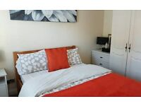 Double room. in nice clean house . wifi available to view now 15/06/17