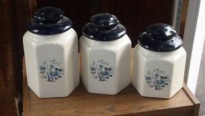 Set of ceramic jars