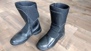 Ladies BMW riding boots