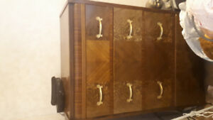 Antique dresser set with double bed frame  in good condition