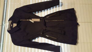 Trench Coat Black size med new tags.