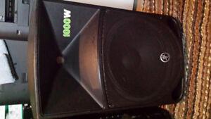 2x 1,000watt Mackie Thump12 Powered Loudspeaker's