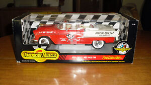 1:18 Scale Diecast 1955 Chevy Indy 500 Pace Car New In Box