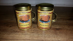 Vintage Style Sole D'Italia  tin metal salt and pepper shackers