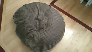 Large dog bed from Costco West Island Greater Montréal image 2