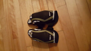 Reebok youth elbow pads $10