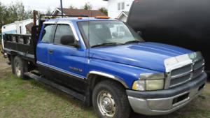 Dodge Ram 2500  renforcie 1995  negociable 514 862-7796