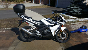 CBR 125r low km perfect training/commuter bike