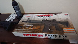 PAINTBALL GUN - Tippmann Bravo 1 Elite Semi-Automatic .68