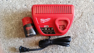 chargeur m12 milwaukee BRAND NEW
