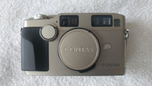 contax g2 with 3 lenses, flash and film