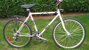 Vélo hybride Blanc