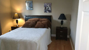 2 Large Bright Rooms Available - Share the house