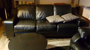 Black Leather couch great new condition