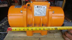 220 / 440 volt 3 phase vibrator motor MVS1 3/1500T - S08 - WT