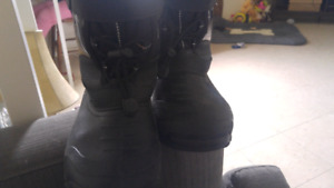 Mens size 8 winter boots