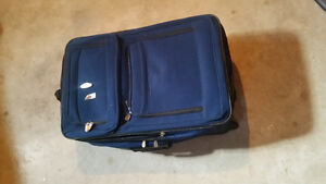 4 pieces of luggage for sale London Ontario image 4