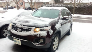 2013 Kia Sorento LX ( Brand new engine)