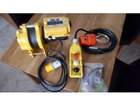 CWL80 300/6amp winch