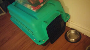 Small dog crate, hardly used!