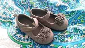 3 pairs of size 7 shoes  Peterborough Peterborough Area image 4