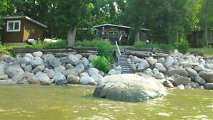 Beautifully furnished lakeside cottage near Grand Beach,Manitoba