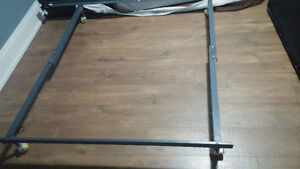 Metal bed frame, queen/double/single