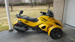 Can am spyder STS 2013