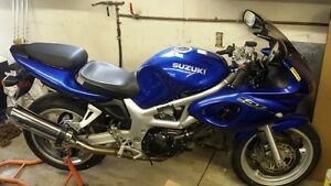 2002 SUZUKI SV650 WITH ONLY 18641 KMS NEED GONE ASAP!!!