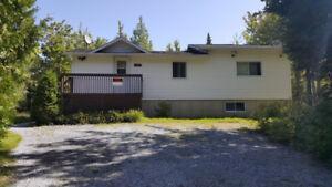 Maison ou chalet avec grand terrain boisé et accès au lac Aylmer