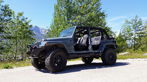 Your DREAM JEEP, Fully loaded with over $15,000 in upgrades...