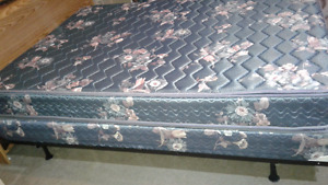 Double or queen mattress and boxspring