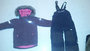 Helly Hansen size 3/4 Girls Ski pants and Jacket