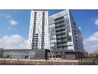 1 bedroom flat in The Quays, Salford, M50