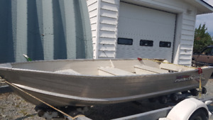 12' Princecraft Seasprite boat