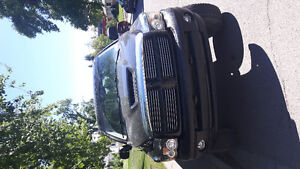 2004 Dodge Power Ram 1500 SLT Pickup Truck very low kms!