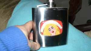 "ADORABLE ""LUCKY STREET""  BLONDE PIC 7OZ HIP FLASK FOR SALE Kitchener / Waterloo Kitchener Area image 7"
