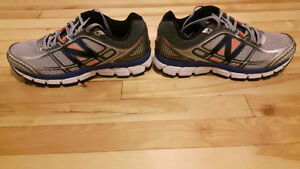 Chaussures courses h neuves (10.5) New Balance men running shoes
