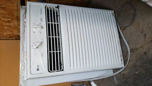 """Window """"LG"""" air conditionner"""