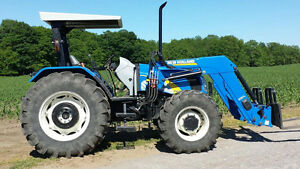 NEW HOLLAND T5070 LOADER TRACTOR / MINT CONDITION