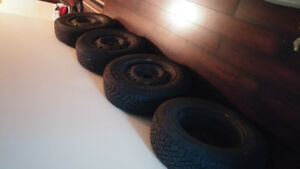 Used Winter Tires w Rims 205/70R15